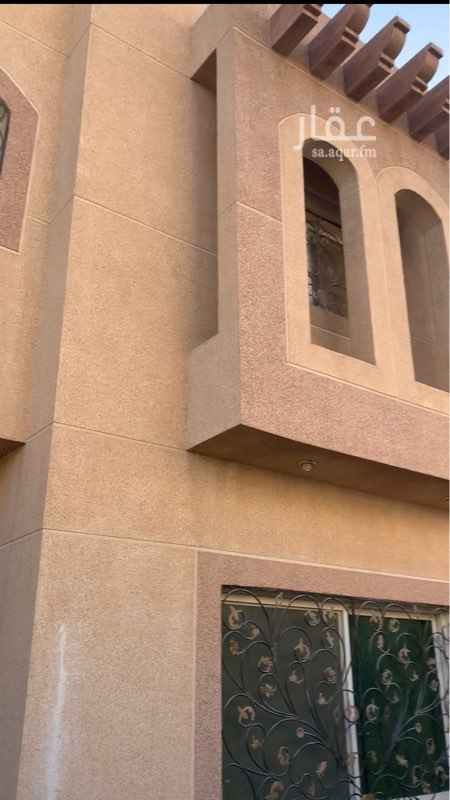 1647813 فيلا درج صالة تتكون من مجلس ومقلط وصالة ومجلس نساء + عدد ٥ غرف نوم + مطبخ + ٦ دورات مياه + حوش + غرفة سائق