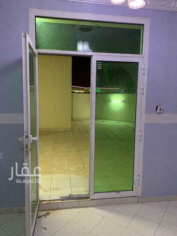 1806249 شقة للإيجار في شارع المروة ، حي اشبيلية خلف مسجد الكلباني، الرياض عوائل غرفتا نوم صالة3 دورات مياةالدور 3 مطبخ راكب مكيف غرف النوم راكب