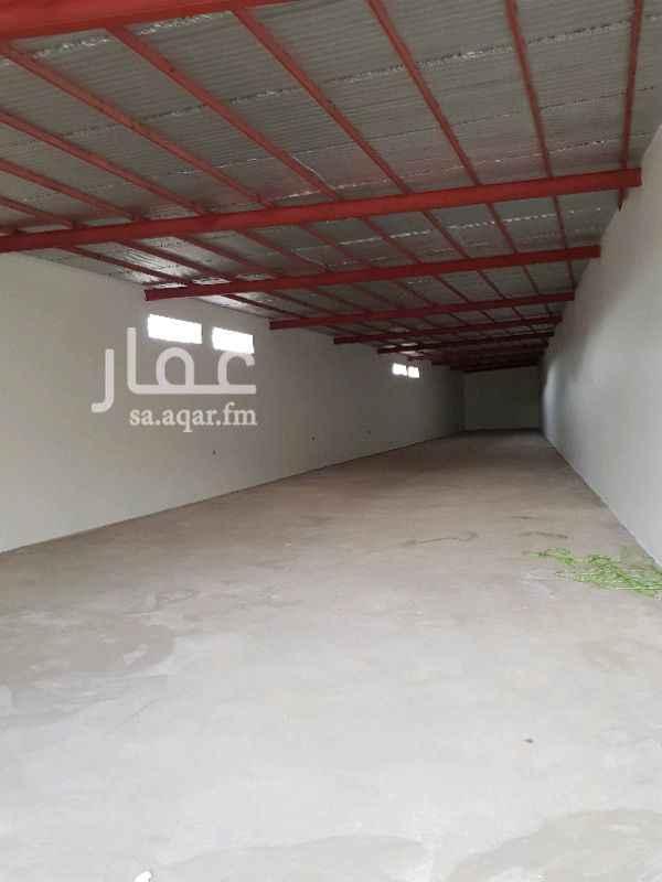 1121364 مستودع كبير على شارع T  مساحة ٢١٠ متر  المدخل واسع