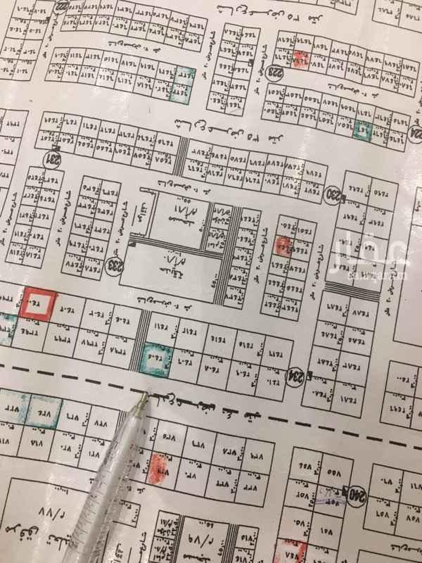1747589 يوجد لدينا ارض بالمهديه مساحه 900م   طبيعه ممتازه على شارعين بين تقاطع الثاني والثالث   لتواصل: شركة العبيد والمطوع   نواف:0550105072