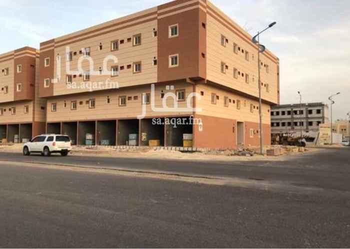 923635 عمارة للإيجار ( جديدة )  عبارة عن = 29 شقة   كل شقة عبارة عن : 3 غرف  1 صالة  1 مطبخ   2 دورة مياه   • يوجد في العمارة مصعد   • مع إعطاء المستأجر شهرين مجاناً   الموقع  :   الدمام - الشعلة - شارع الإمام محمد بن عبدالوهاب .  للإستفسار :   0550278111