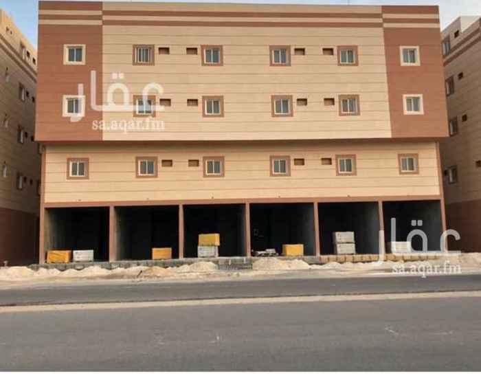 1054781 عمارة للإيجار بالكامل ( جديدة )  عبارة عن = 26 شقة و 6 محلات   كل شقة عبارة عن : 3 غرف  1 صالة  1 مطبخ   2 دورة مياه   كل محل عبارة عن :  المساحة = 40 م٢ ، و يوجد دورة مياه مستقلة   • يوجد في العمارة مصعد   • مع إعطاء المستأجر شهرين مجاناً   الموقع  :   الدمام - الشعلة - شارع الإمام محمد بن عبدالوهاب .  للإستفسار :   0550278111