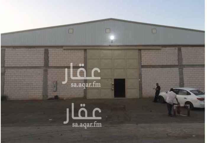 837082 مصنع للايجار (جديد) في صناعية مجاهد :  المساحة = 840  م٢ .  يتكون من :  غرفة + دورة مياه + مطبخ .  الكهرباء = 380V , 150A .  • منخفض الخطورة   • مجهز بكامل التراخيص والتركيبات للدفاع المدني .  • ضمن مخطط معتمد .  الموقع :  الرياض - السلي - خلف شارع اسطنبول مباشرة .  للاستفسار :  0550278111