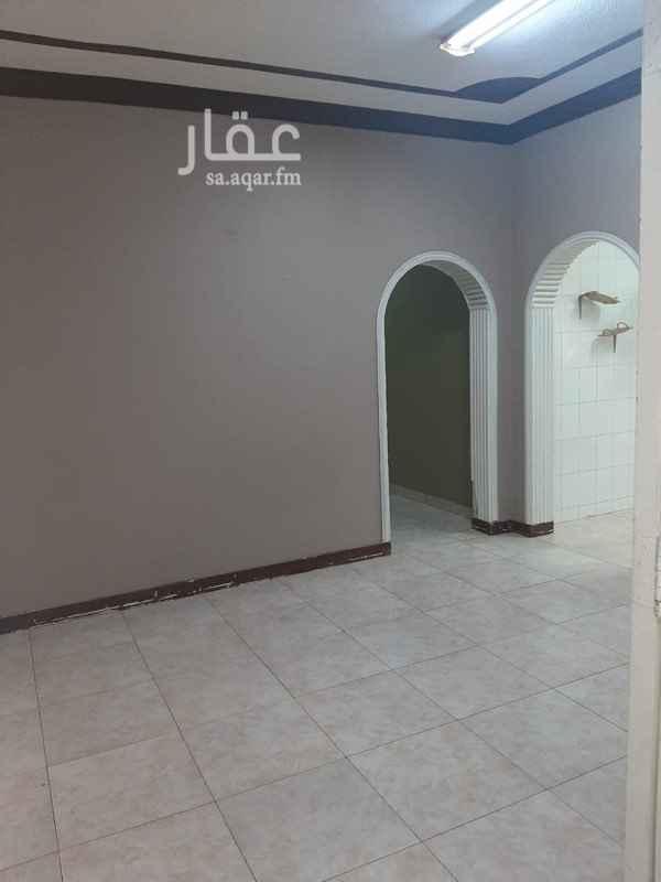 1589307 شقة للايجار : ٣ غرف ١ صالة مطبخ ٢ دورة مياه  بالإضافة إلى : ••- الماء +الغاز مركزي ( مجاناً ) الموقع : الرياض - الروابي - شارع عنيزة  للاستفسار : 0556258886