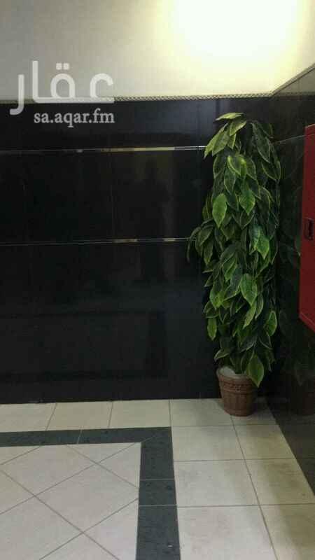 1420558 مكتب إداري للايجار  طريق الإمام سعود  حي الحمراء  قريب من اشاره السيف