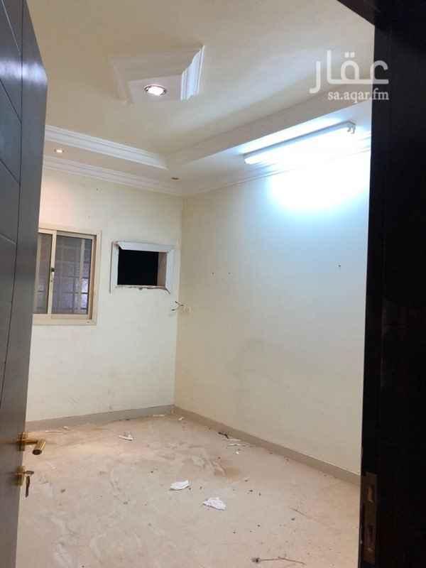 1131842 شقة ثلاث وصاله الدور الاول العلوي  في عماره قريبه من شارع الصحابه وقصر الذكريات
