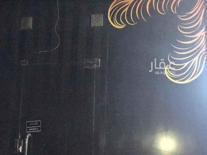 1792866 مشغل نسائي للايجار مكيفات راكبه ديكورات سبق كان مشغل نسائي ويوجد قسم تجهيز العرائس موقعه ممتاز جدا علي شارع تجاري ٣٦ بالمونسيه