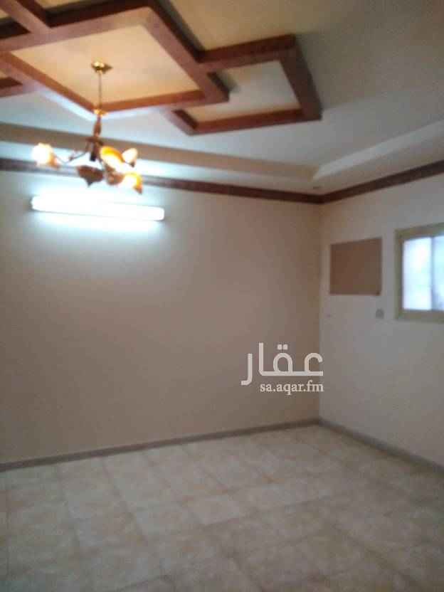 1615073 للايجار دور علوي يتكون من خمس غرف وصاله ومطبخ وثلاث حمامات كهرباء مستقل موقع ممتاز