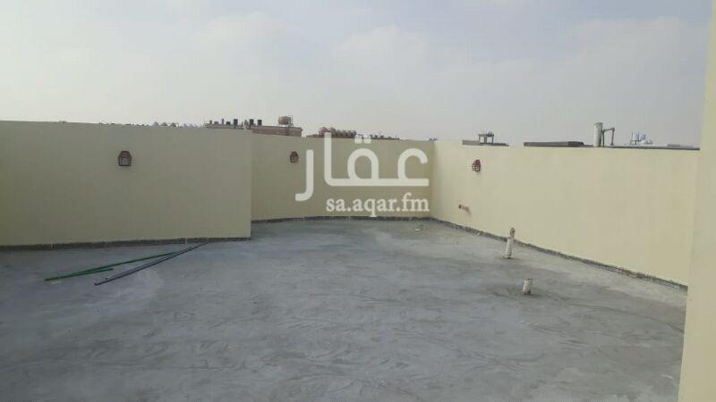1367636 فيلا للاجار في حي الصواري منطقة الخبر العزيزيه مكونه من 5غرف نوم وملحق مكون من غرفتين  وحمام وغرفة غسيل شغل ممتاز جدا