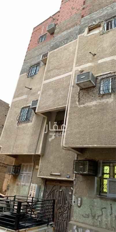 1709671 بيت مكون ثلاثة ادوار كل دور عبارة عن شقة مكونة من ثلاثة غرف ودورتين مياه ومطبخ والدور الارضي عبارة غرفة بمنافعها