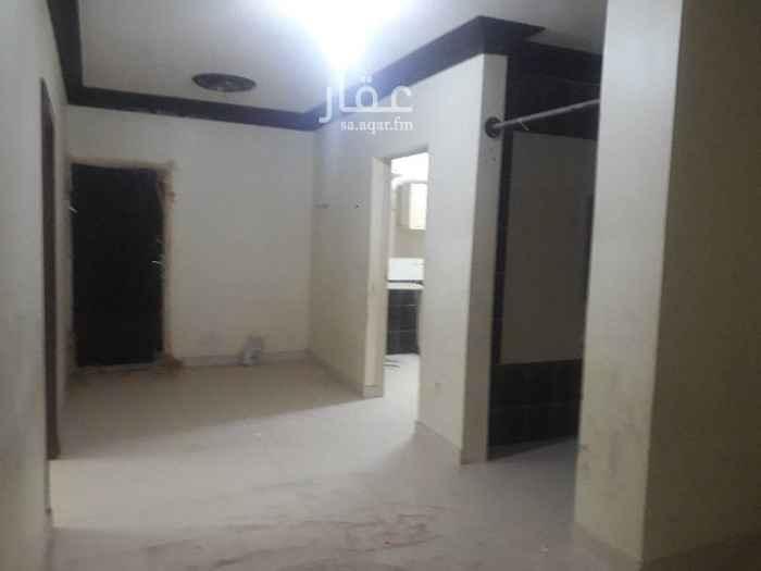 1579939 غرفتين وصاله ومطبخ وحمام وسطح خاص  المطبخ راكب بدون مكيفات . يوجد مصعد