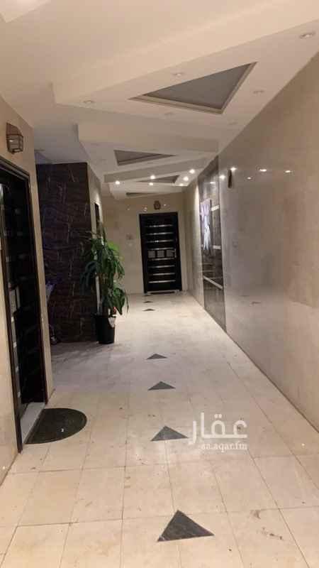 1814223 شقة في مجمع مكونه من 4 غرف + صاله + مطبخ + 2 دورت مياه  مقابل الحديقه
