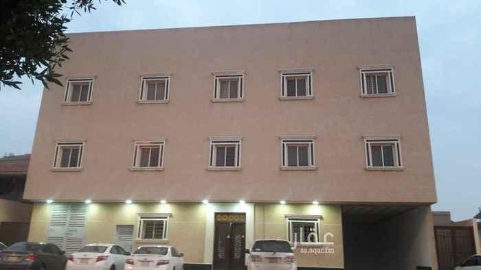 1755898 شقة ارضية شبه جديدة مكونة من ٣غرف وصالة و٢ حمام ومطبخ ومعها مدخل سيارة بالقبو . للتواصل والمعاينة  ٠٥٥٥٢٢٢٢٤٣١ 055 478 8392