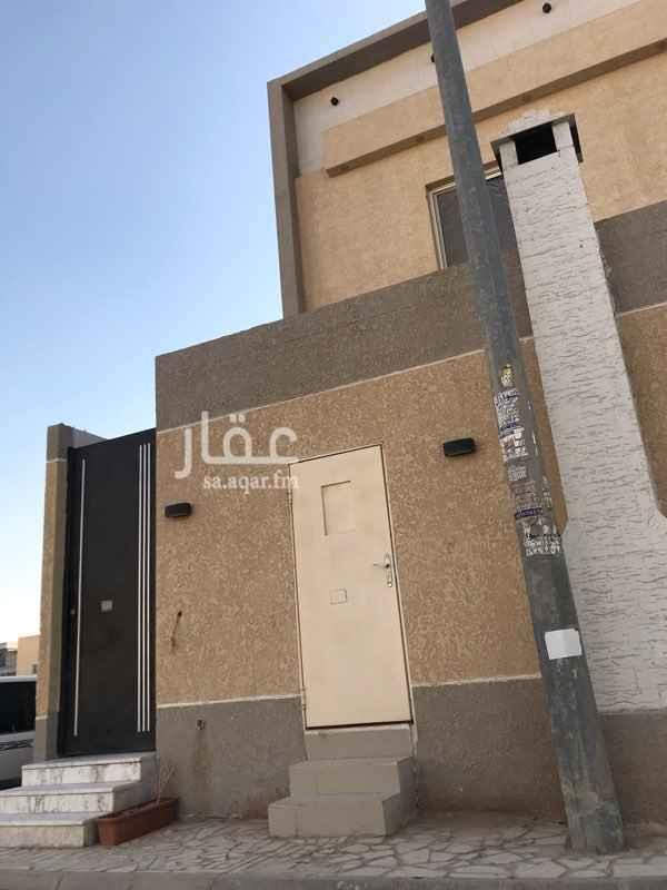 1740587 مدخل خاص في فلة سكنية دور اول  بدون مكيفات او مطبخ راكب  يوجد مكان للغسيل في بيت الدرج العلوي خاص بالمستاجر