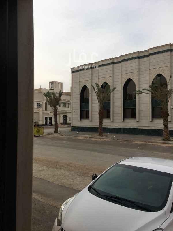 1254065 غرفة سائق بحي المونسية جديدة مقابل لمسجد لم يفتتح بعد واجهتها شمالية اي تواصل سيكون من خلال الواتس اب و في حال الاتفاق يتم الاتصال ( 0552803677 ) و يفضل ان يكون سائق لموزين ..
