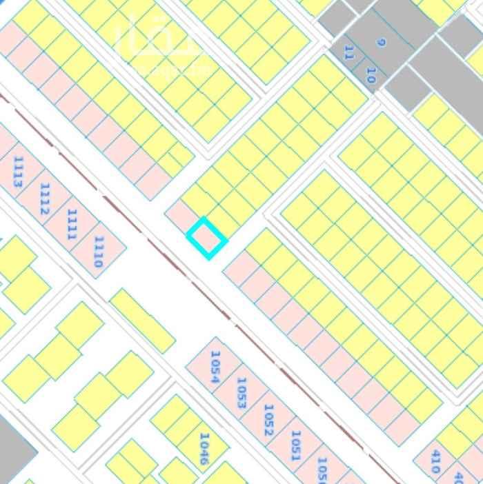 1651122 على شارعين ٤٠ و ١٥ تجاري مسفلت يوجد رخصة بناء شاليه
