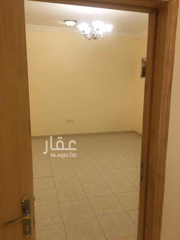 1373507 يوجد شقة عائلية فى مجمع ملحق مخرج ٣٣ وادى لبن مكونة من غرفة وصالة ومطبخ ودورة مياه مجدده بالكامل شارع طيبة قريبة من الدائرى والخدمات
