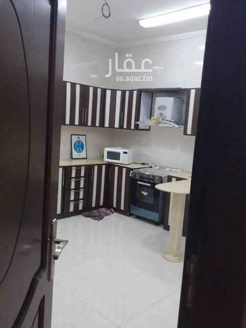 1548322 ملحق ٤ غرف خلف البيك  يوجد سطح خاص قريبه من الخدمات والمسجد وشارع الإمام بخاري بدون مصعد يوجد غاز مركزي