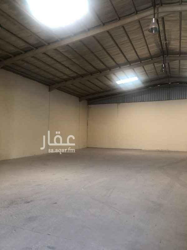 1589126 مستودع في جنوب الرياض في حي المشاعل على شارع اسطنبول   الكهرب واصل والمستودع نظيف   غرفتين وحمام ومطبخ  نظام اطفاء حريق
