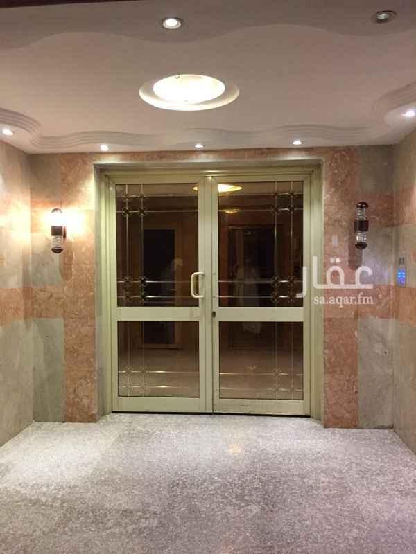 1413719 للبيع عمارة جديدة عمرها سنتين في العريض تتكون من : عشرة شقق كل شقة خمسة غرف كبيرة منها غرفتين ماشتر وصالة واربعة دورات مياه دور مواقف سيارات خزان مستقل لكل شقة