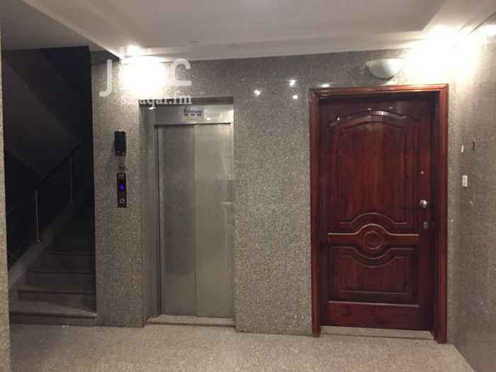 1744110 للايجار شقة في الدور الاول  ثلاثة غرف وصالة ومطبخ وثلاثة حمامات  مميزات اخرى : - مكيفات - دولاب مطبخ - غاز مركزي