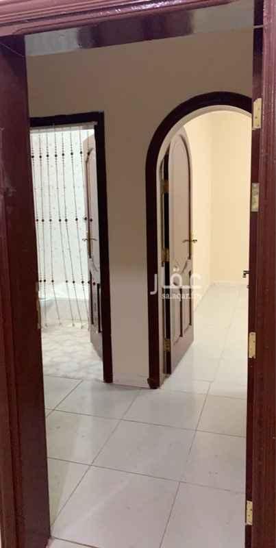 1728616 شقة  للإيجار خلف بقالة زمزم وبجوار جامع الخراشي ..