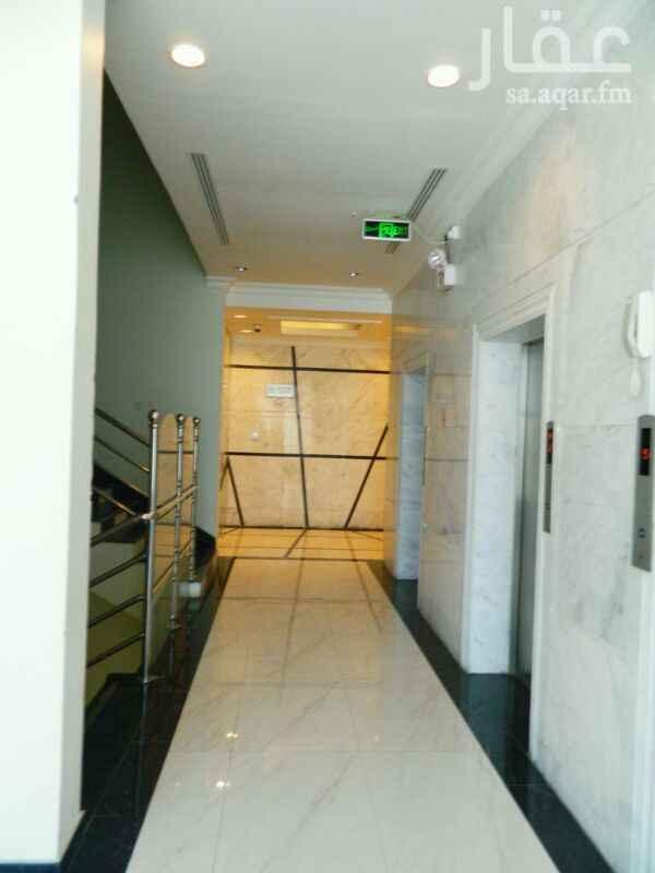 990155 مكاتب فخمة على شارع عثمان بن عفان بالدمام  المساحة 90 موقف خاص  عداد كهرباء منفصل  بوفية وحمام  تكييف مركزي  تشطيب فخم . للتواصل 0553345501