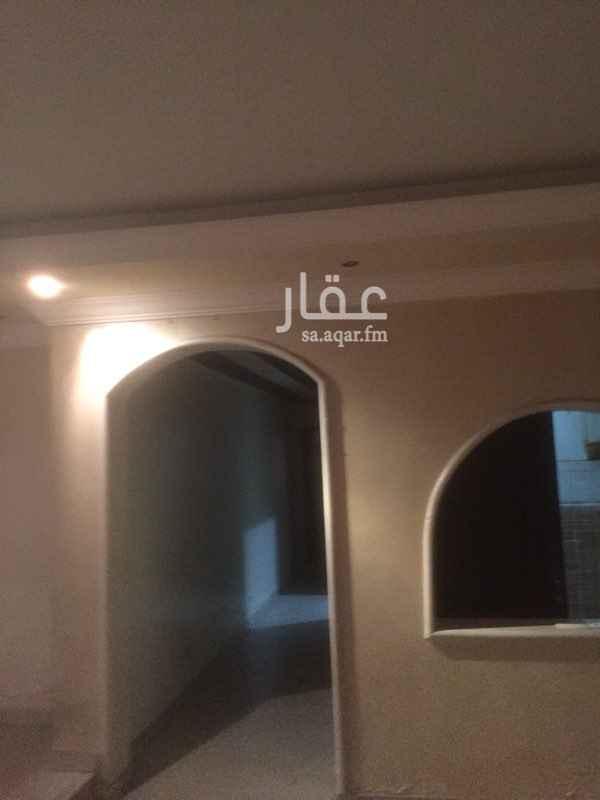 1373653 في حي الحرمين مكون من 6غرف و4حمامات وغرفه سائق وخادمه