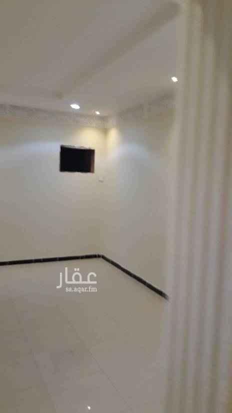 1764300 دور علوي جديد مدخلين كهرباء مستقل خمسه وصاله حي النهضة  ٣ حمام ومطبخ