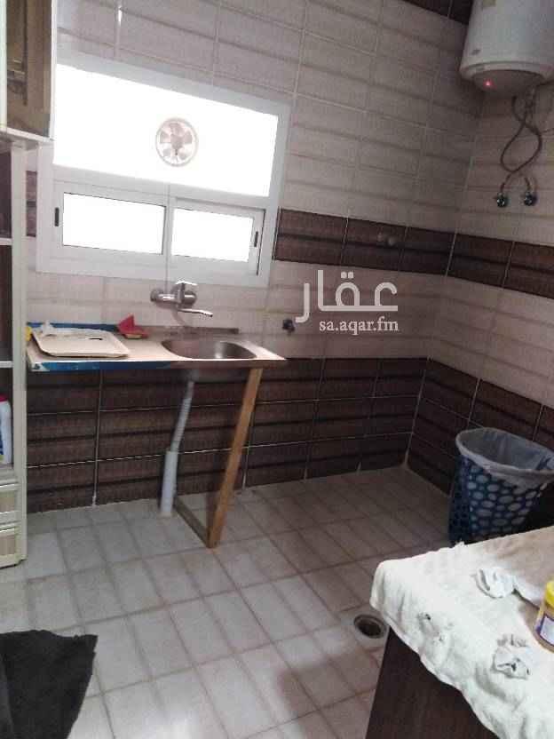 1756776 شقة ___غرفة +_____صالة _____مطبخ راكب دورة مياه ____سطح +____ممكن علي ثلاث دفعات