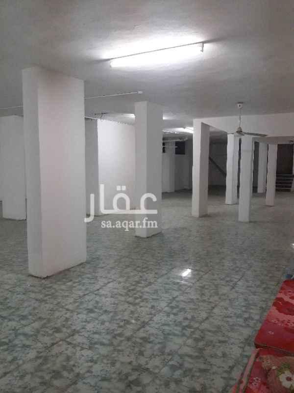 1142990 مستودع للإيجار بحي العزيزية بجوار جامعة أم القرى شارع المطوف.. صالح لجميع أغراض التخزين