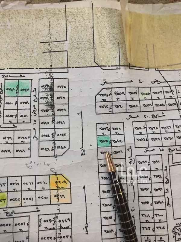 1374155 للبيع ارض تجارية علئ طريق عبدالرحمن الداخل  مساحه 900 م  غربيه  علئ السوم  للتواصل  0554222633