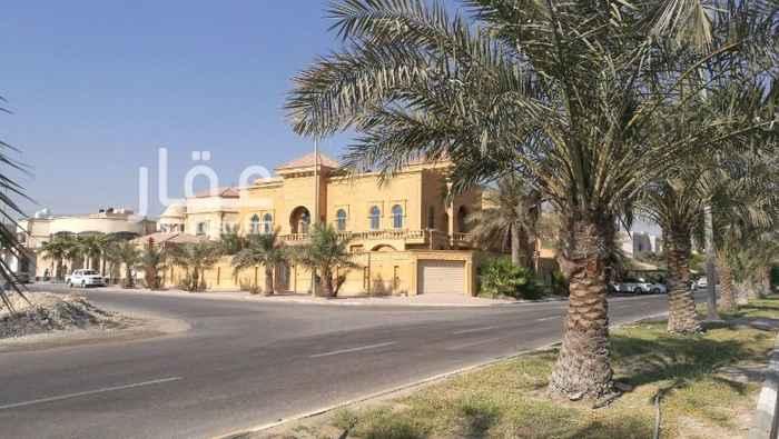 1095892 حي سلطانه تفتح على سور الحرس الوطني فلة فخمه وبناء شخصي زاويه حجر عمرها 4سنوات