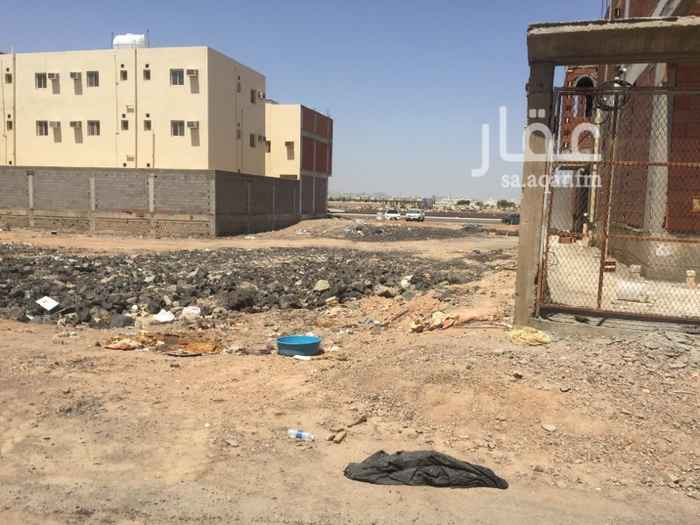 1655731 أرض في الشرق مساحتها ٦٠٠ متر قريبة من جامعة طيبة  والحي مؤهل بالسكان  والسعر قابل للتفاوض