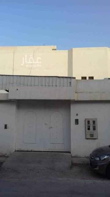 1633317 شقه في حي الخليج مكونه من ثلاث غرف وصاله معها سطح  الكهرباء مستقل