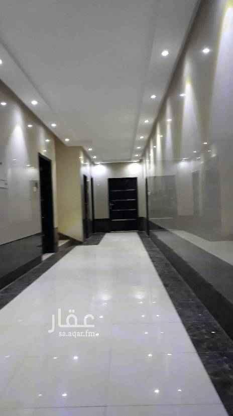 1652493 شقة موثثة نظيفه مصعد مكونه من ثلاث غرف وصاله  الاثاث مستخدم ثلاث شهور  والايجار شهري ب٢٥٠٠