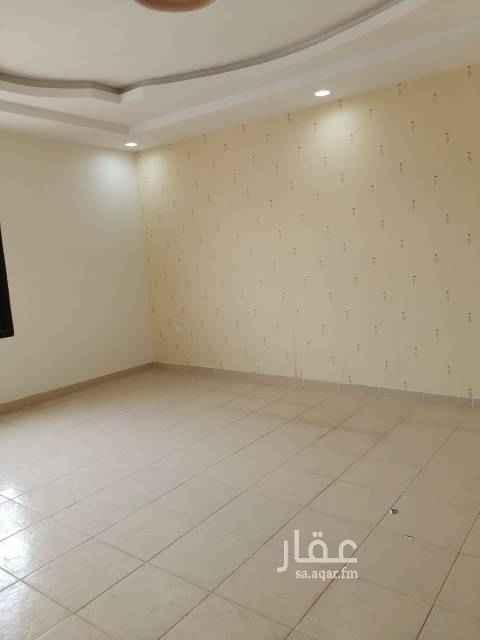 1112167 دور ين علوي دوبلكس مع مدخل سياره خلف البنك الاهلي شارع احمد ابن الخطاب