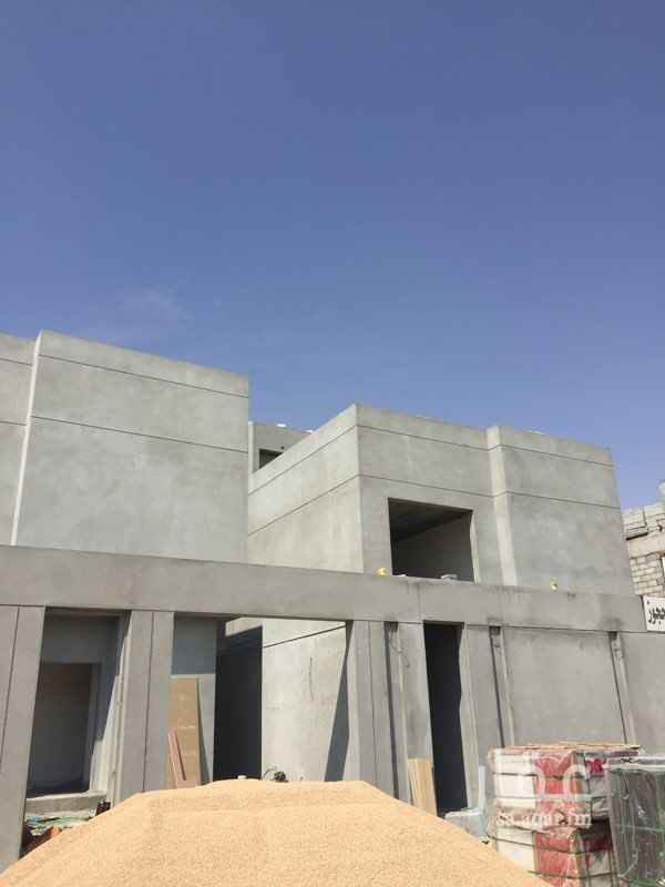 1819266 ثلاث فلل درج داخلي   ٦ غرف نوم  مصعد  اشراف مهندس سعودي  جودة عاليه جدا في التنفيذ