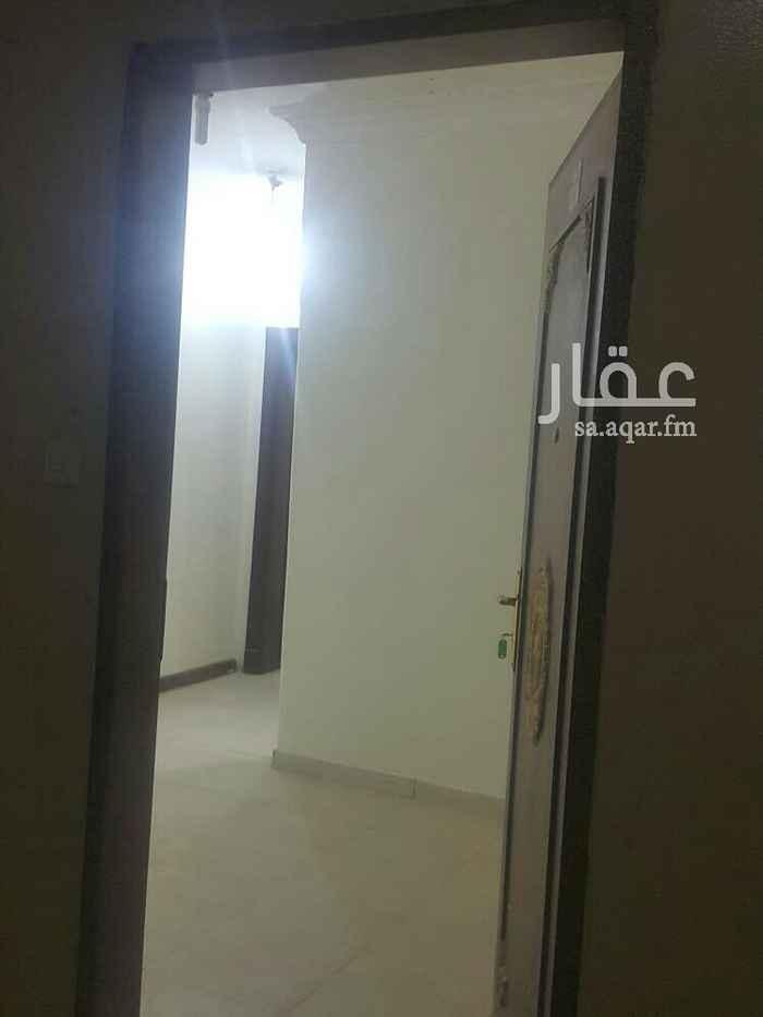 1515673 شقة مكونة من ثلاثة غرف نوم ومقلط ومطبخ وصاله ومحامين
