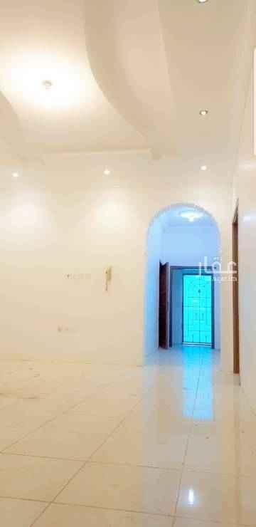 1400956 شقة فاخرة للإيجار في جدة ، حي الصالحية ، تتكون من أربع غرف وثلاث دورات مياه وصالة ومطبخ وسطح خاص ، مدخلين ، للمفاهمة الاتصال على 0554544091