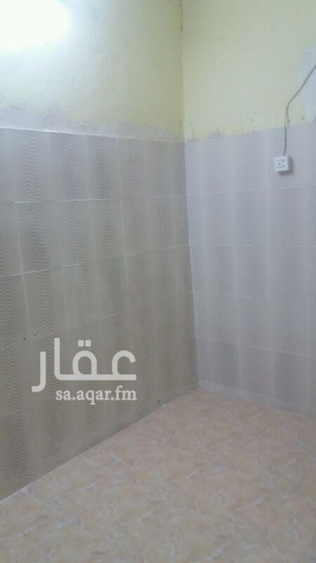 1299621 بيت شعبي سكني نضيف ارضية سراميك سقف ديكور ثلاث غرف وصالة ومطبخ وحمامين