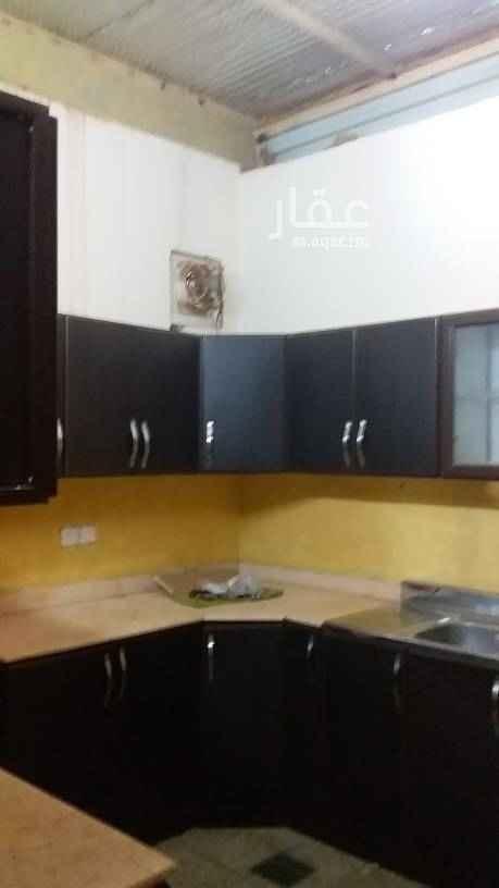 1431429 للايجار ملحق شمال الرياض حى الياسمين مربع ١٨ ثلاث غرف مكيفات ومطبخ مكيفات شباك مع سطح خاص  نحن نستقبل عروضكم