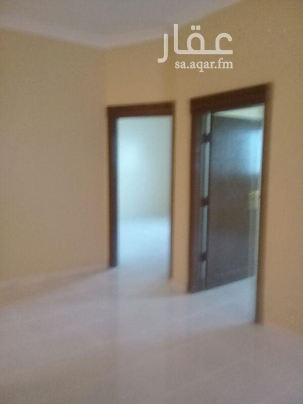 1390543 شقه جديده في حي العارض ٣ غرف وصاله وجميع الغرف والممرات شرحه ف مربع هادي قريب لكل الخدمات