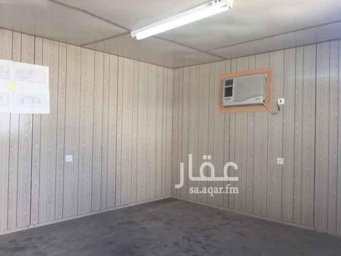 1444974 غرفه للايجار مع مطبخ وحمام 10000 شامل المياه والكهرباء راكب المكيف ايضاً