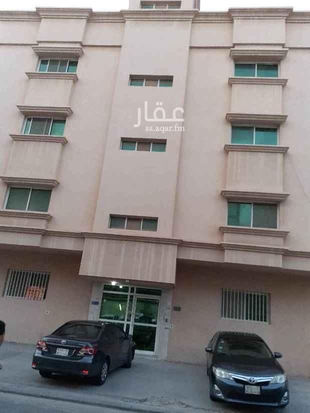 1585023 للإيجار شقه عوايل بالدمام حي محمد بن سعود ٣ غرف وصالة مطبخ حمامين  السعر  دور أرضي ١٧٧٠٠