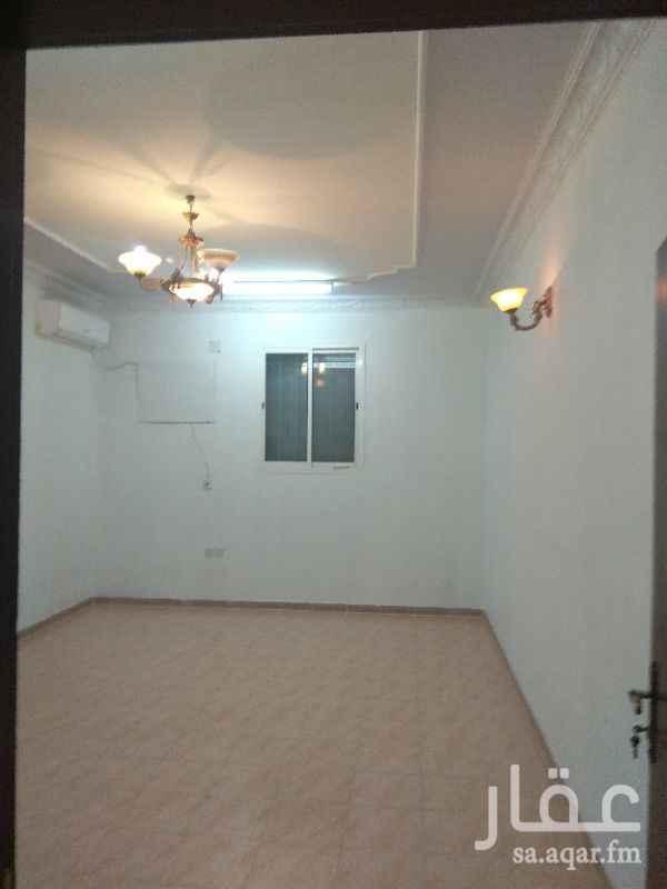 1258280 شقة مدخل خاص  سطح خاص  غرفتين نوم ومجلس وصالة وحمامين ومطبخ مفتوح على الصالة