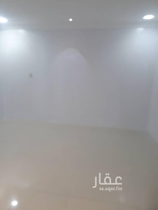1793826 بسم الله الرحمن الرحيم  يسرنا الاعلان عن شقتين للايجار بحي الجوهرة  مكونه من ثلاث غرف وصاله حمامين يوجد مصعد بالعماؤة وكل شقة بموقف خاص