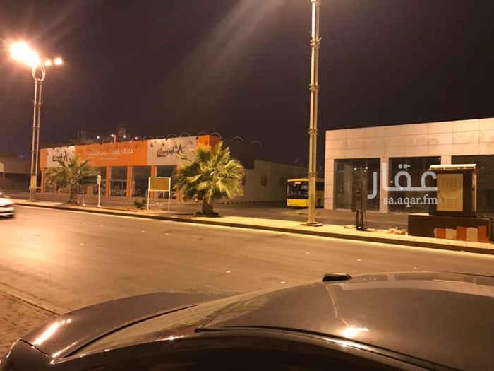 1570195 للإيجار صالة بمساحة ٢٤٠٠ م على طريق الملك سعود   الصالة مجهزة وتقع على أربع شوارع   المستأجر السابق  شركة أوتو ستار