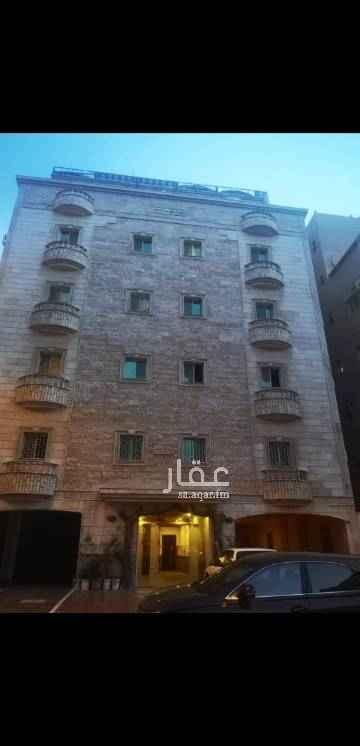 1789180 شقة ٣ غرف كبيرة  + صالة واسعه جميع الخدمات متوفرة
