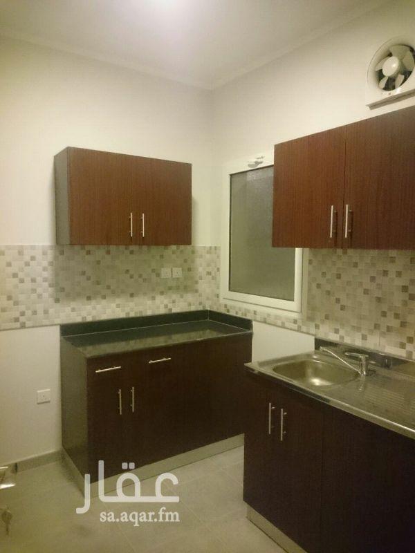 605017 شقة جديدة بحي الشروق في الدور الاول مع مطبخ ومكيفات سبليت راكبة مطلة على الحديقة والمواقف السعر قابل للتفاوض. الشقة مؤجرة بعائد استثماري يصل الى 7%.